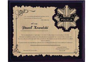 Dyplom drewniany z laminatem grawerowany